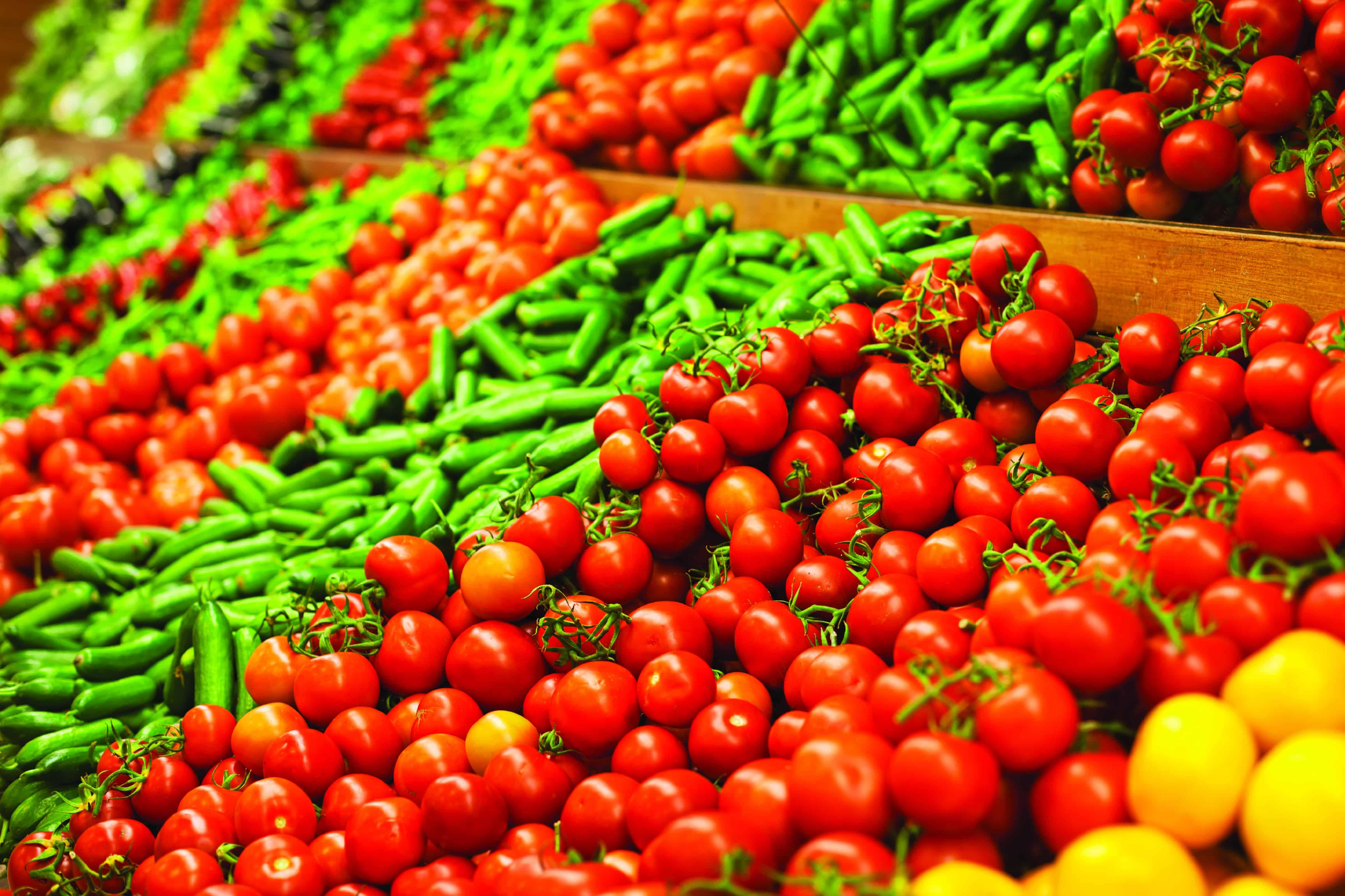 tomatoes-veg-supermktHR